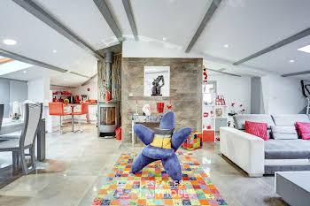 Maison 5 pièces 245 m2