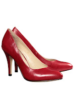 Photo: Escarpins rouges Cuir NOE : http://shop.be.com/tendances/total-cuir/tous-les-produits/escarpins-cuir/4487/nall/d16/s/p99~650/c/b/e/t.html