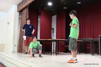 Photo: Activité théâtre : on mime le voyage de Sinbad