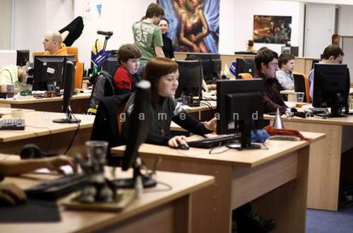 """""""Đột nhập"""" trụ sở công ty game hàng đầu tại Nga 10"""