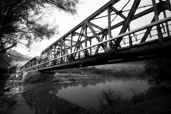 Ponte della ferrovia di Daimon