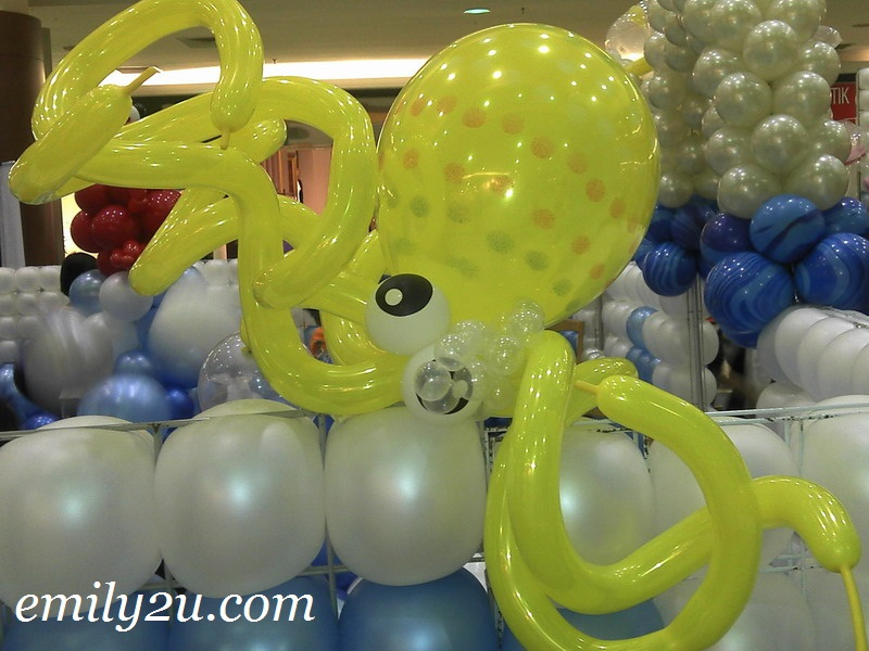 yellow octopus balloons