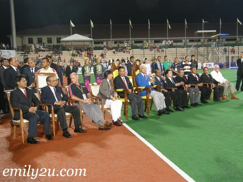 distinguished dignitaries with Tuanku
