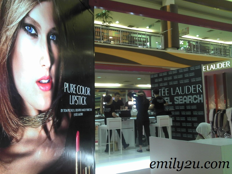 Estée Lauder 'IT Girl' Model Search 2011