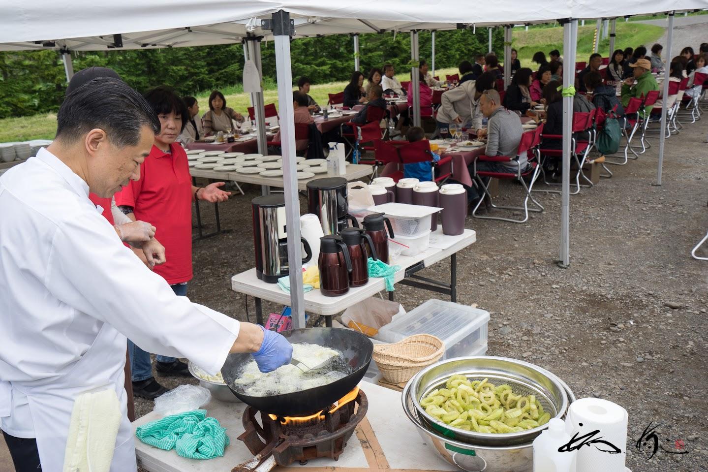 石井登シェフの料理風景