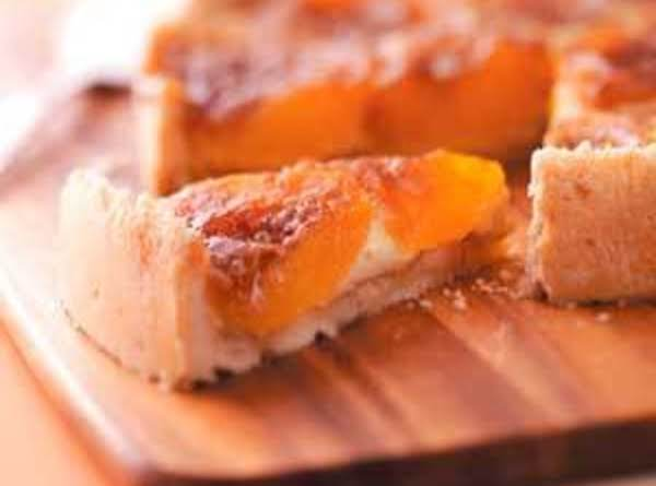 Cinnamon Peach Cobbler Pie