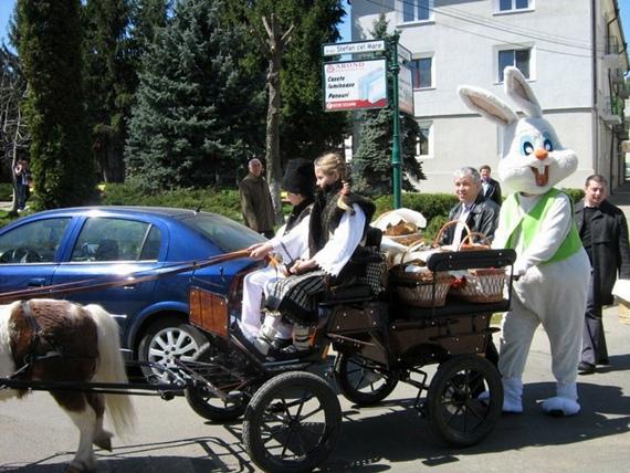 Tradiţie autentic bucovineană: mascota-iepure