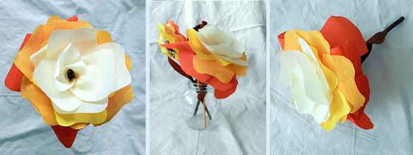 Photo: Floare multicoloră din hârtie creponată  realizată de Maia Martin aproximativ 20 cm înălţime, cupa florii - aprox. 12 cm diametru Preţ 3 lei/buc. pentru mai mult de 10 buc. sau 4 lei/buc. pentru fiecare (puteţi alege flori şi din alte postări)  Nu mai este în stoc  Borcanelul: 1,5 lei/buc.  http://dekoratiuni.blogspot.ro/2014/04/floare-multicolora-din-hartie-creponata.html