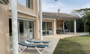 villa à Soulac-sur-Mer (33)