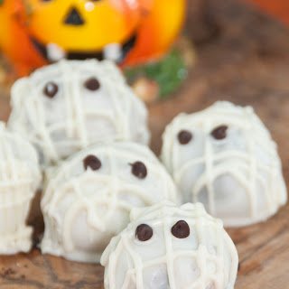 Halloween Mummy Oreo Truffles
