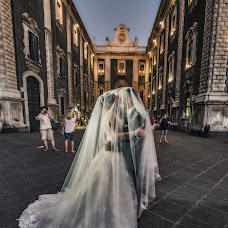 Wedding photographer Gianpaolo Berretta (EssentialStudio). Photo of 20.10.2018