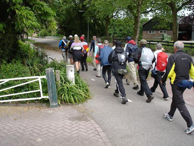 150km Amsterdam-Leeuwarden (NL): 18-19 juin 2011 DSC08705