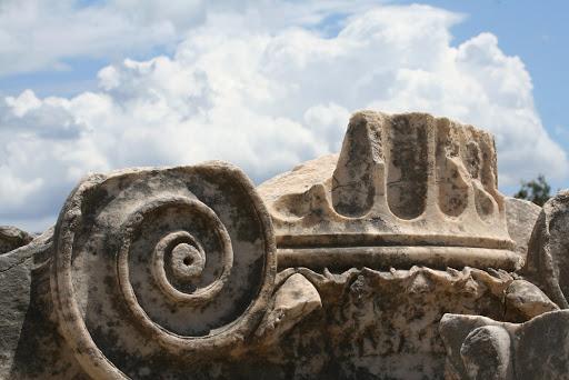 Эфес, капитель, валюта
