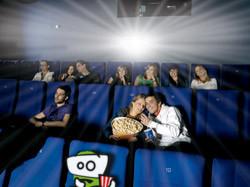 [Image: zapy_at_cinema.jpg]