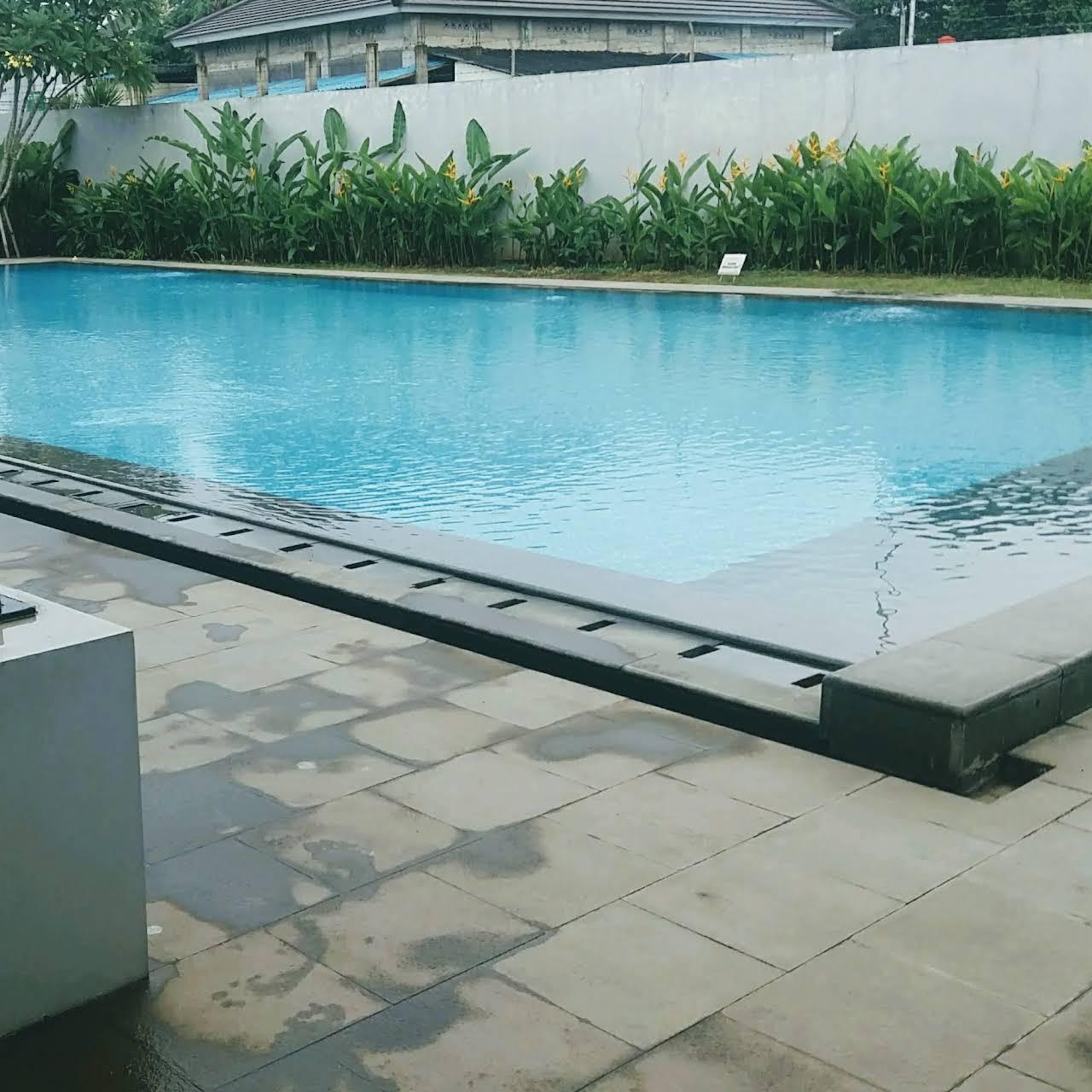 ide pembuatan kolam renang di luar ruangan
