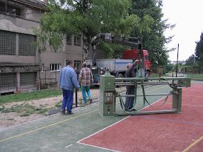 Photo: Bylo třeba vystěhovat ze sklepa a vrátit zapůjčené dřevoobráběcí stroje.