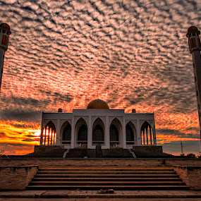 Masjid Central Mosque by Mark Anthony Bansag - Buildings & Architecture Public & Historical