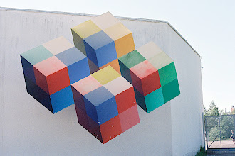Photo: Heureka's logo is a set of cubes