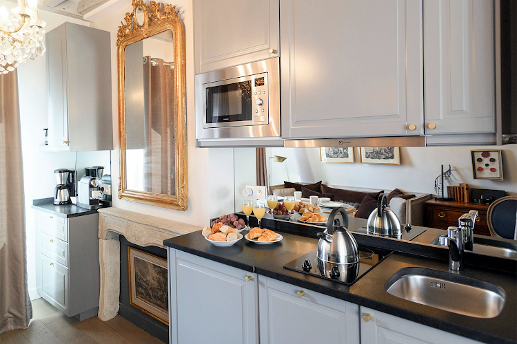 Fully equipped kitchen at Cremant Apartment
