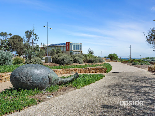 Photo of property at Unit 1, Level 4/435 Nepean Highway, Frankston 3199