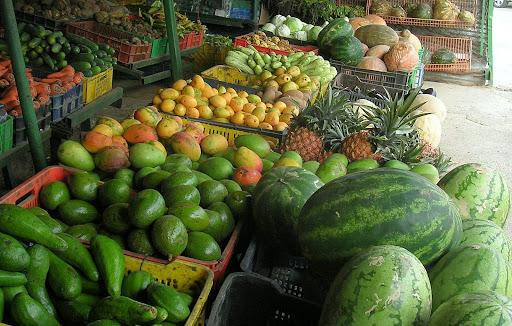 Frutas y verduras en la fruteria de La Union Municipio El Hatillo Caracas Miranda Venezuela