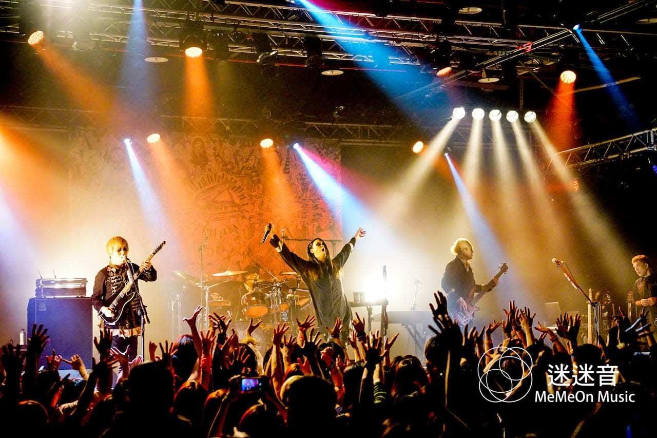 日本樂團 MUCC  大甩麥克風架瘋狂全場 「可以再來台灣很開心,真的很謝謝大家!」