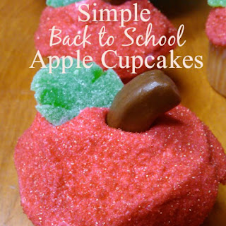 Super Simple Back to School Apple Cupcakes!