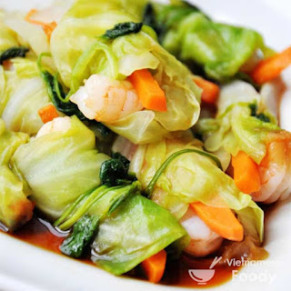 Description Vietnamese Cabbage Roll Soup Recipe (Canh Bap Cai Cuon Thit)