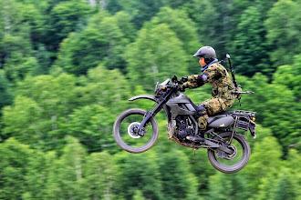 Photo: オートバイ(平成25年度方面隊偵察部隊等戦技競技会・北部方面隊)