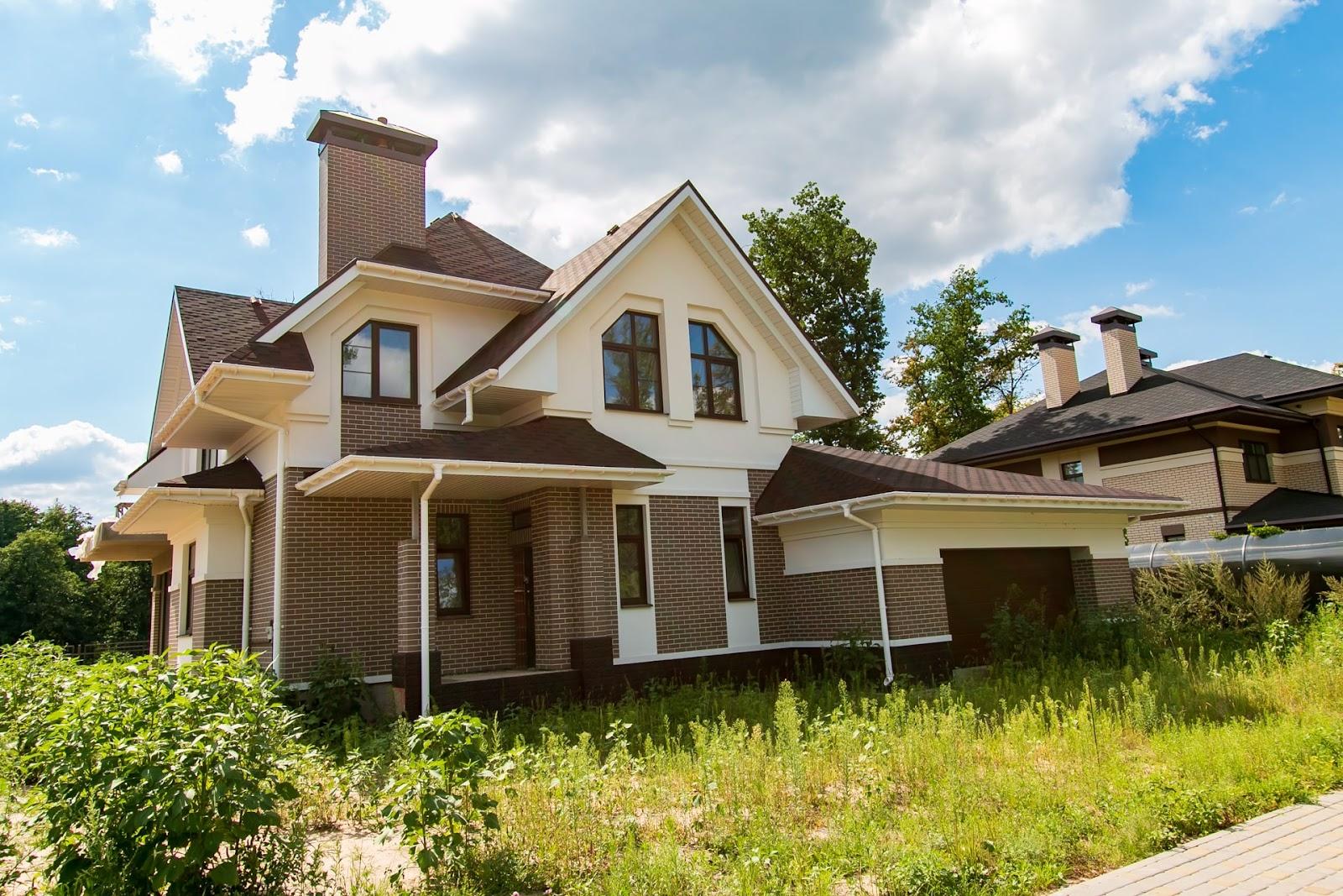 преимущества и недостатки дома из кирпича