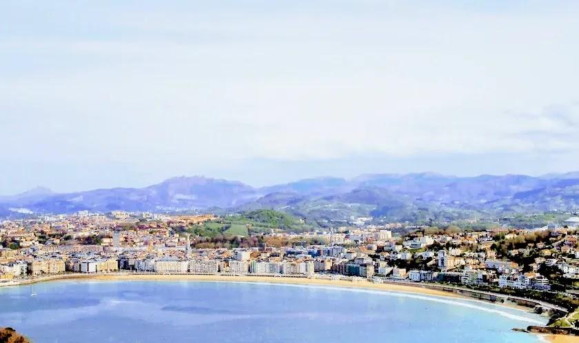 バスク地方サンセバスチャンの海岸線・ビアリッツ