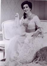 """Photo: Elsa KASTELA-KREIHSL als Gräfin in """"Le Nozze di Figaro"""""""