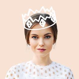 Queen Smirk - Instagram Profile item