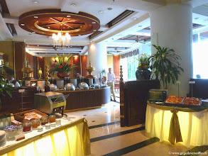 Photo: #011-Mandalay, le Mandalay Hill Resort. Le restaurant.