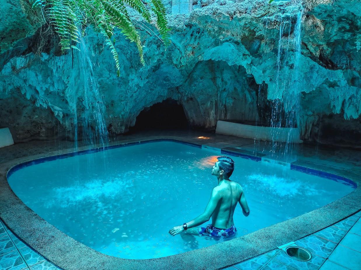 vinapor-blue-water-resort-vinapor-cave-pool-travel-guide