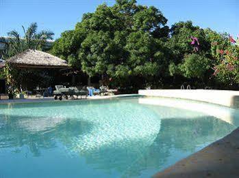 Sunny Hotel Majunga
