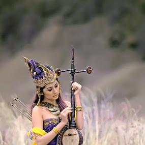 by Chandra Sugiharto - People Fashion ( model. fashion )