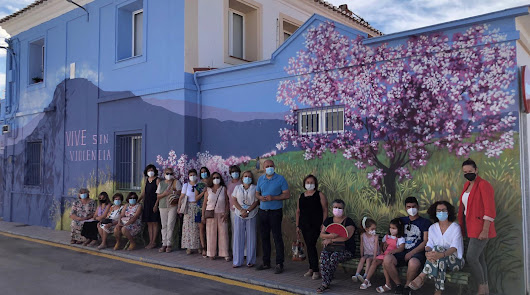 "Huércal-Overa reivindica vivir ""sin violencia"" machista con un espléndido mural"