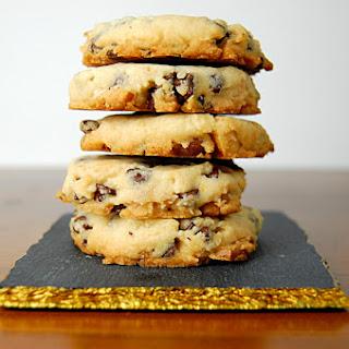 Chocolate Chip Macadamia Shortbread Cookies Recipe