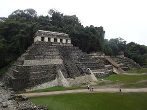 Photo: Jedno z nejhezčích míst v Mexiku. Pyramidy v kombinaci s opičím řevem ozývajícím se z pralesa.