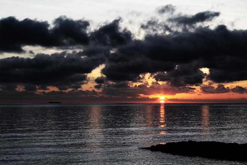 Il sole sorge sempre... anche dietro alle nuvole! di Marco Spinelli