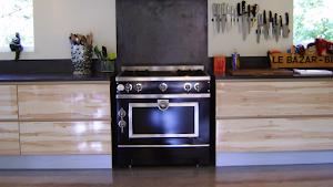 renover-sol-cuisine-en-beton-cire-par-applicateur-specialise-les-betons-de-clara
