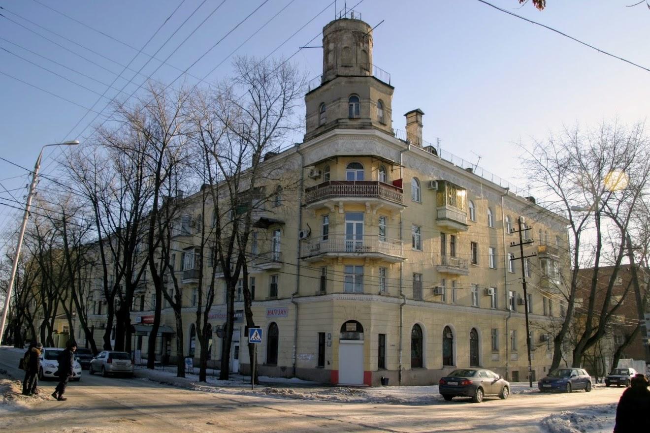 https://sites.google.com/site/istoriceskijtaganrog/cehova-ulica/dom-49
