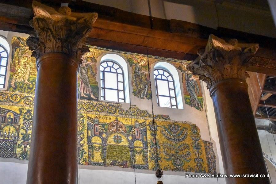 Колонны и настенные мозаики Храма Рождества Христова. Вифлеем.