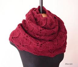 Photo: женский вязаный шарф-снуд Бордо