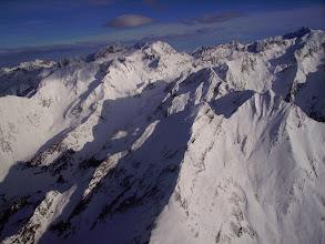 Photo: Montagne de Bachebirou, au premier plan: Pic de Letious 2589m, Hourquette de Bachebirou 2494m, pic de Cumiadéres à droite. Soum de Marraut 2709m derriére. Pic Long dans le coin en haut à droite.