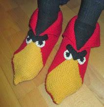 Photo: Angry birdsit. Palatossujen ohje: http://www.yhteishyva.fi/viihde-ja-vapaa-aika/neuleohjeet-ja-askartelu/pirteat-palatossut/0218010-82435