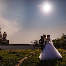 Wedding photographer Viktor Ilyukhin (Vitayr). Photo of 21.09.2017