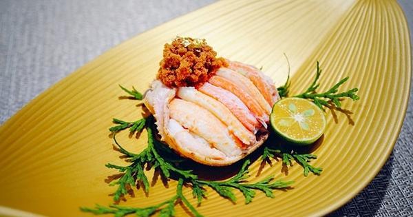 加賀伊海参日式無菜單料理 活體海鮮、日本和牛、黑鮪魚,山珍海味,視覺與味覺的享受。內湖大直日式料理無菜單