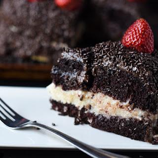 BRAZILIAN CHOCOLATE CAKE WITH STRAWBERRIES.